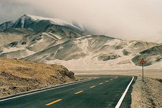 https://flic.kr/p/gzjKr | Driving the Karakoram highway | Chinese side. At the begining the road was just too beautiful... And progressively, it's gotten worse, and worse, and worse... (China, Xinjiang, Karakoram, May 2005)