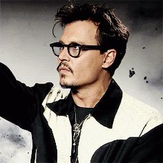 Resultado de imagem para gifs Johnny Depp