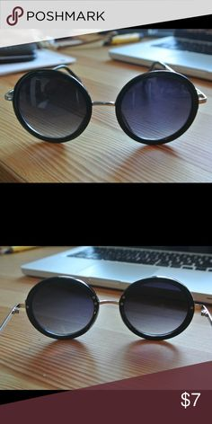 Black Hippie Round Frame sunglasses black rimmed round sunglasses with silver nose piece & frame Accessories Glasses