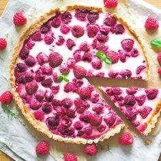 Mummon Vadelmapiirakka (myös vegaaninen) Ice Cream Pies, Sweet Pie, Party Drinks, Pie Recipes, Oreo, Pepperoni, Food And Drink, Favorite Recipes, Sweets