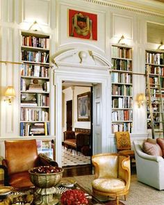 Private library by Bunny Williams #books #library #libri #biblioteca #livres #bibliotheque #interiordesign - More wonders at www.francescocatalano.it