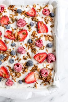 Sprinkled with fresh berries, granola and hidden chocolate chips! Dairy Free Dark Chocolate, Chocolate Bark, Chocolate Chips, Yogurt Bar, Coconut Yogurt, Low Carb Protein Bars, Frozen Yoghurt, Cereal Recipes, Whole Foods