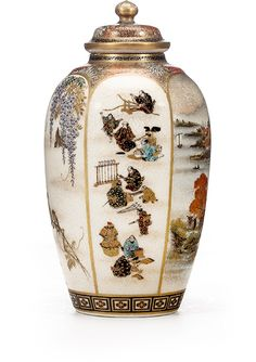 Bonhams : A small Satsuma vase By Yabu Meizan, Meiji period (late century) Japanese Vase, Japanese Porcelain, Japanese Ceramics, Japanese Pottery, Japanese China, Pottery Courses, Satsuma Vase, Pottery Store, Meiji Era