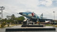 Tugu Pesawat Bandara Supadio Pontianak