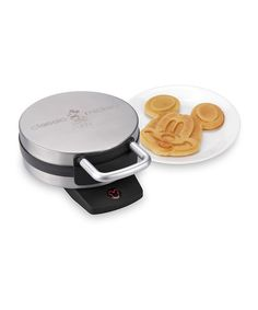 This is so stinkin cute!! I want one of these so bad! Look at this Classic Mickey Waffle Maker on #zulily today! #disney