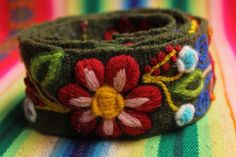 Embroidered belt Wool Embroidery, Ribbon Embroidery, Embroidery Patterns, Textile Jewelry, Textile Art, Thread Art, Crochet Scarves, Projects For Kids, Crochet Projects