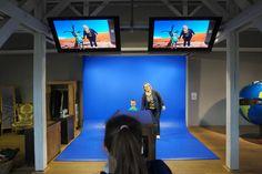 Lol met een blauw scherm en het projecteren van foto's.