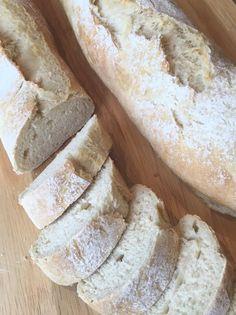 Brot/Weckerl - Backen macht GLÜCKlich - Stoibergut Snacks, Bread Recipes, Pizza, Breakfast, 20 Min, Cake, Salzburg, Food, Utensils