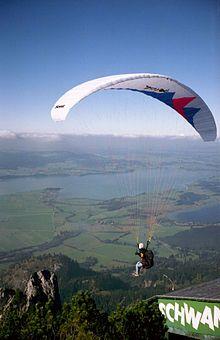 Paragliding - Wikipedia, the free encyclopedia