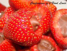 Confessions of a Food Lover: Chocolate Filled Strawberries