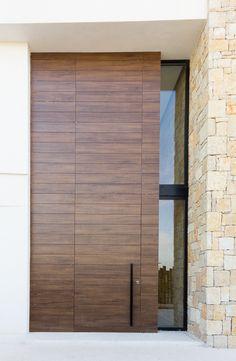 Modern Entrance Door, Modern Exterior Doors, House Entrance, House Front Door, House Doors, Facade House, Home Building Design, Home Design Plans, House Design