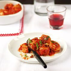 Roasted chicken meatballs with potatoes and a Sicilian sauce. Soft and ...