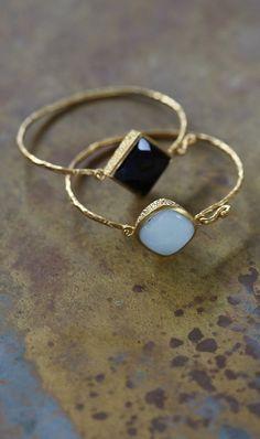 delicate gold rings / stones / geometric