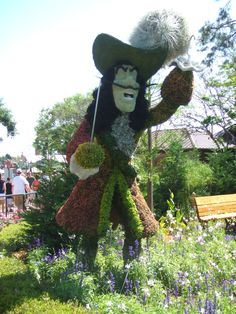 Disney Epcot topiary - wonder whether Disney would sell this to me for the garden. HA HA!