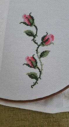 Towel with Cross-Stitch Cross Stitch Rose, Cross Stitch Borders, Cross Stitch Flowers, Cross Stitch Kits, Cross Stitch Charts, Cross Stitching, Cross Stitch Embroidery, Hand Embroidery, Embroidery Designs