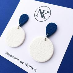 Handmade Polymer Clay Earrings - Minimalist Collection Lightweight earrings made of polymer clay material. Polymer Clay Projects, Handmade Polymer Clay, Polymer Clay Jewelry, Diy Clay Earrings, Biscuit, Clay Texture, Ceramic Clay, Porcelain Ceramics, Clay Design
