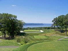One of the most amazing Par 3s I've ever played, and generally considered the greatest inland view in American golf. The famous square green at Sleepy Hollow Country Club NY.