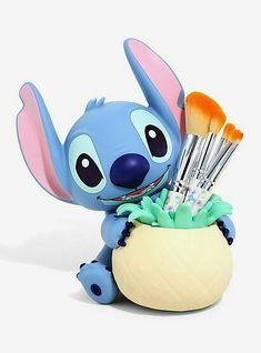 Loungefly Disney Lilo & Stitch Pineapple Makeup Brush Set Loungefly Disney Lilo & Stitch Ananas Make-up Pinsel Set, This image. Lilo Stitch, Cute Stitch, Lilo And Stitch Toys, Lilo And Stitch Clothing, Winnie The Pooh Honey, Disney Winnie The Pooh, Peluche Stitch, Disney Stich, Stitches Makeup