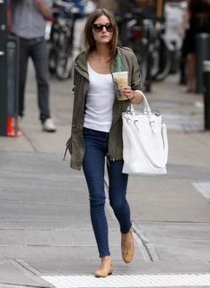 simple outfit white tee jeans nude flats white bag parka