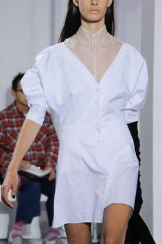 Olivier Theyskens Spring 2018 Ready-to-Wear  Fashion Show Details