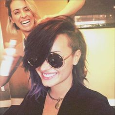 Demi Lovato Shows Off Short Haircut: Loving Her New Style!   Cambio