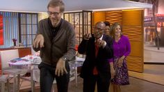 Stephen Merchant shares his goofy 'grooves' with TODAY gang