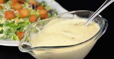 Sí, la salsa especial que acompaña a la popular ensalada del mismo nombre. Te cuentan cómo prepararla desde COCINA FAMILIAR CON JAVIER ROMERO.