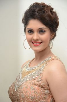 Actress Surabhi latest HD Images South Indian Actress INDIAN BEAUTY SAREE PHOTO GALLERY  | I.PINIMG.COM  #EDUCRATSWEB 2020-07-02 i.pinimg.com https://i.pinimg.com/236x/12/8f/fc/128ffc2f50e3104dd241b9e3e108c375.jpg