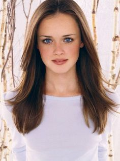 Alexis Bledel, her father was born and raised in Argentina. Her paternal grandfather, Enrique Einar Bledel Huus, was born in Buenos Aires, Argentina, and was of Danish and distant German descent; Enrique was Vice President of Coca-Cola Latin America and the Coca-Cola Inter-American Corporation. Bledel's paternal grandmother, Jean (née Campbell), was originally from New York, and had Scottish and English ancestry.