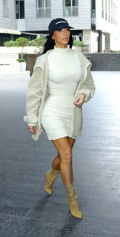 Kim Kardashian out shopping in Dubaï / january 14, 2017