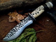 Custom Hand Made Fix Blade Hunting Knife with Beautiful Handle (NW12) Beautiful Handle With Scream Shaw Work   Overall Length: 13 inches   Handle Material:  Handle made of CAMEL BONE WITH SCREAM SHAW