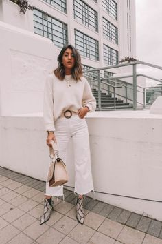 Ideas White Boats Outfit Winter Pants For 2019 Beige Outfit, All White Outfit, White Outfits, Trendy Outfits, Fall Outfits, Fashion Outfits, Womens Fashion, Fashionable Outfits, Fashion Hacks