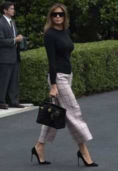 First Lady Melania Trump Wears Valentino and Hermès to Leave the White House Classy Outfits, Chic Outfits, Fashion Outfits, Womens Fashion, Ladies Fashion, Fasion, Office Fashion, Work Fashion, Fashion Looks