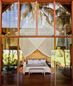 Along the pristine waters of the Pacific, between the white sand and tropical island of Siargao in the Philippines, the new Dedon Island resort is the face of German fashion brand for outdoor furniture that gives it its name. Ibiza, Cabana, Resorts, Porches, Interior Exterior, Interior Design, Interior Ideas, Interior Inspiration, Tropical Bedrooms