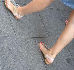 candid turkish girls feet and face: 3 turkish girls candid feet