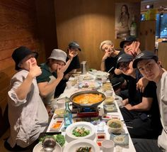 EXO's Sehun posted a picture with his fellow members grabbing dinner. All members were present except Lay who is in China for promotions&… Kyungsoo, Kim Jongin, D O Exo, Exo Do, Exo Ot12, Chanbaek, Kaisoo, K Pop, Exo Lockscreen