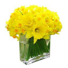 daffodil wedding centerpieces 01