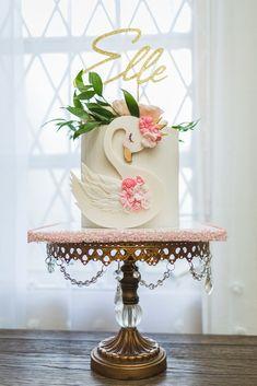 Themed Birthday Cakes, Birthday Cake Girls, Themed Cakes, Gateau Baby Shower, Baby Shower Cakes, Flamingo Cake, Sculpted Cakes, Cake Servings, Girl Cakes