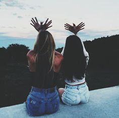 200 images about bff 👯 ❤ on we heart it see more about frien Best Friend Pictures, Bff Pictures, Friend Photos, Pictures To Draw, Bff Pics, Picture Poses, Picture Video, Ft Tumblr, Videos Instagram