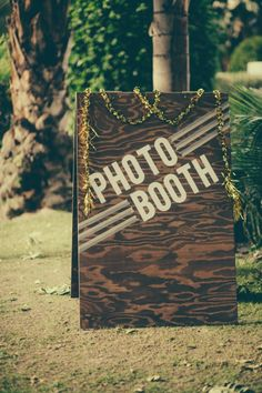 DIY photobooth sign