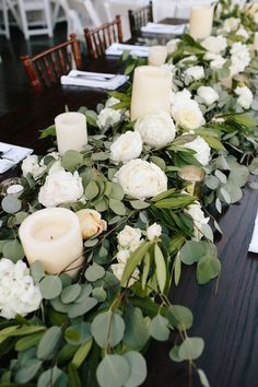 Wedding centerpiece ideas with white and greenery floral