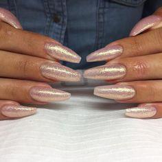 glittery glosss ~find at: @qveenntaee~