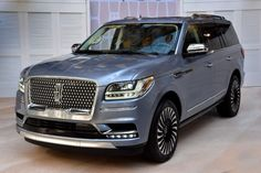 All-new 2018 Lincoln Navigator: less weight more power and luxury