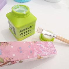 Κόλλα για Decoupage σε πασχαλινές λαμπάδες Decoupage, Sunglasses Case, Light Bulb Vase