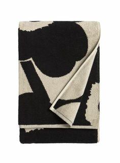 Marimekko Unikko Bath Towel, Black / Sand Bring classic Finnish design to your bathroom with this Unikko bath towel, featuring Marimekko's signature poppy print. This classic mix of black & sand brings & contemporary & fun addition Marimekko, Guest Towels, Bath Towels, Black Bath, Poppy Pattern, Turkish Cotton Towels, Terry Towel, Kartell, Hand Towel Sets