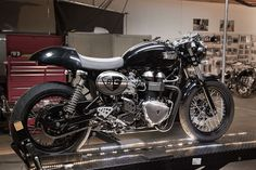 Triumph Bonneville Cafe Racer › British Customs Modern Classic 2011 Triumph Thruxton Cafe Racer