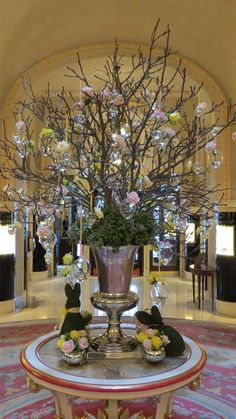 Make Easter decorations special with an Easter Egg tree. Learn how to use Twig tree or Christmas tree as an Easter tree.Check out Easter tree decor ideas. Hoppy Easter, Easter Eggs, Easter Bunny, Easter Table Decorations, Easter Decor, Easter Ideas, Tree Decorations, Easter Centerpiece, Easter Flower Arrangements