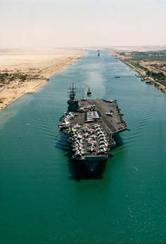 USS Theodore Roosevelt transiting the Suez Canal on its way to the Persian Gulf 1991 - BFD Navy Marine, Navy Military, Military Photos, Cruisers, Uss Enterprise Cvn 65, Uss Theodore Roosevelt, Navy Carriers, Navy Aircraft Carrier, Go Navy