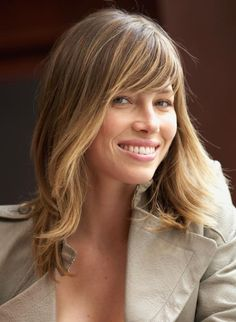 19 Pretty, Medium-Length Hairstyle Ideas: Jessica Biel