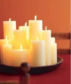 Velas perfumadas - Luxury Home Fragrance Candle Arrangements, Diy Home Repair, Diy Centerpieces, Inexpensive Centerpieces, Quinceanera Centerpieces, Pillar Candles, White Candles, Cheap Candles, Floating Candle